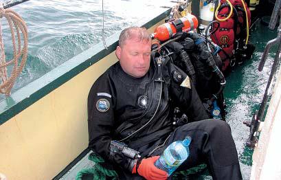 """Grzegorz """"Banan"""" Dominik po nurkowaniu. / Zdjęcie:  ABYSS DIVING"""